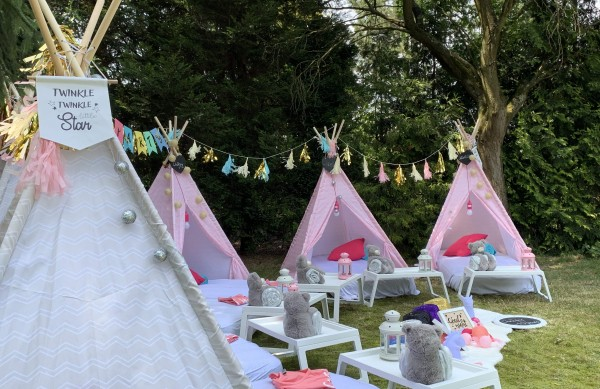 """Tipi Buddies Party "" in unseren Cool-for-Kids Tipi Zelten( 2 Tipis mieten)"