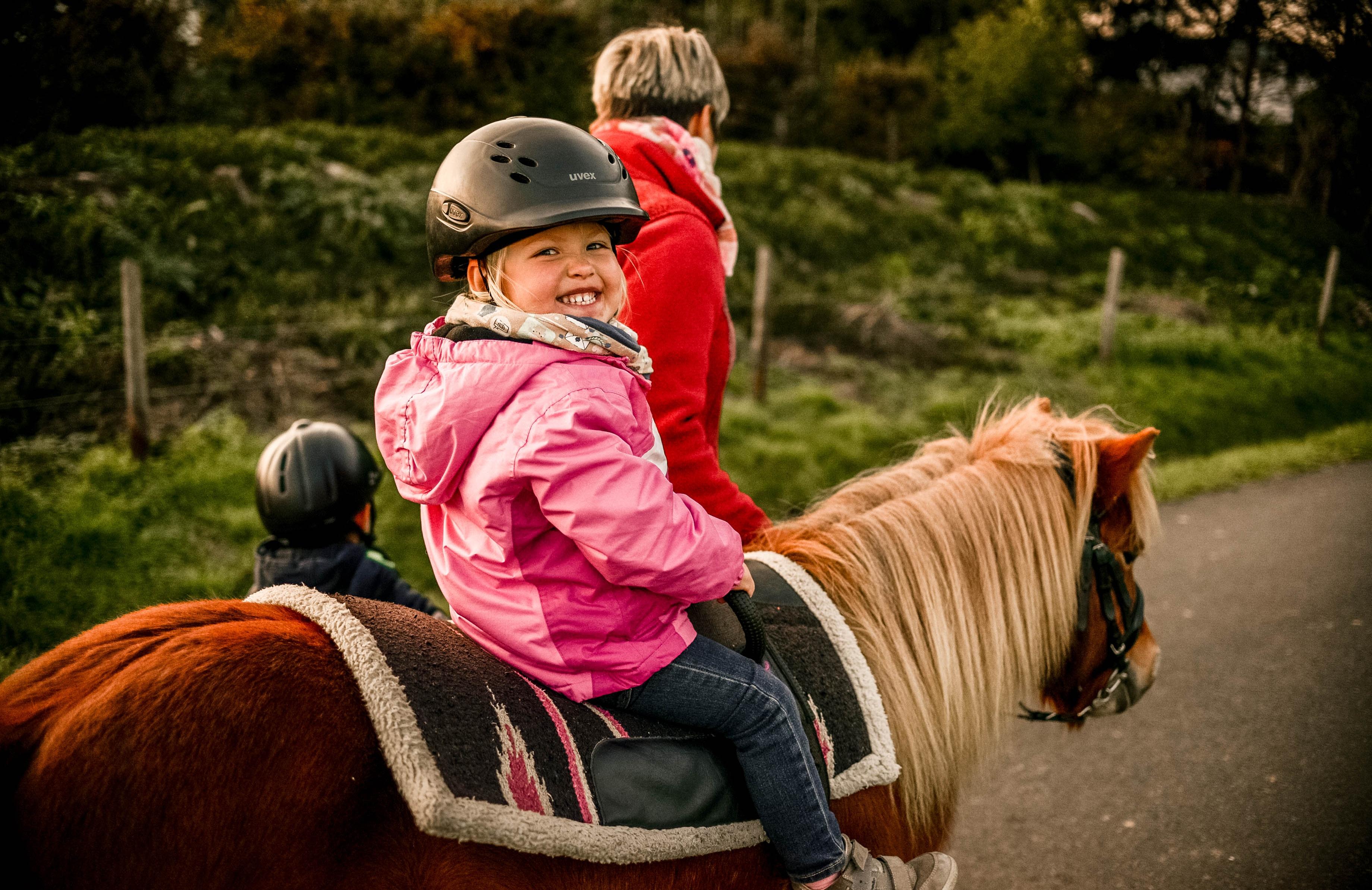 Ponyschnuppern für Kinder bis 4 Jahre